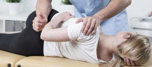 8-idees-recues-sur-l-osteopathie_imagepanoramique647_286
